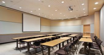 Salle de la Gauchetière - Aménagement de style école